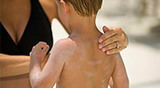 How To Protect Your Child From Sunburn - Howdini